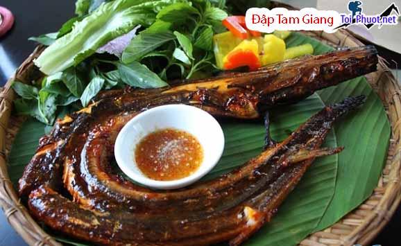 Du lịch Đập Tam Giang Phú Yên ăn đặc sản cá trình sông Cái