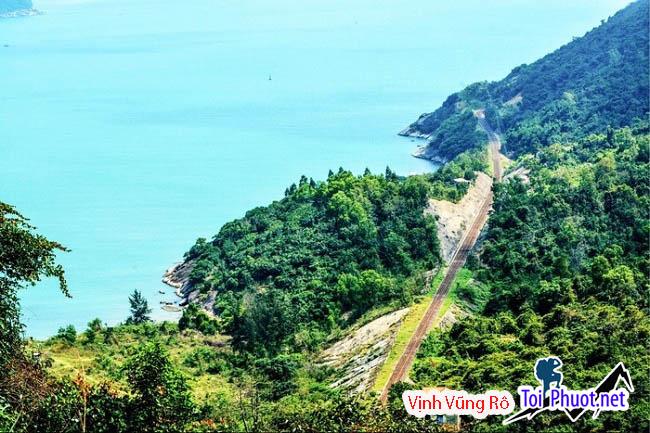 Vịnh Vũng Rô đẹp đến tuyệt dịu qua ảnh chụp từ trên cao